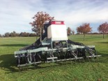 With twin distribution heads and twin 850l fertiliser and seed boxes, the trailing AS480 is ready for work.