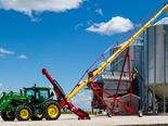 The MKX 130 84 can shift up to 3000 tonnes of grain per hour