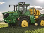John Deere's 4000 litre capacity R4140i self-propelled sprayer