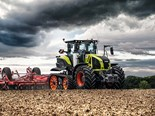 The Claas Axion 960 Terra Trac is built to have excellent traction.