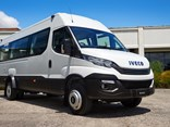 The Daily 22-seat minibus features a 180hp Euro 6 engine, eight-speed fully automatic transmission and rear airbag suspension.
