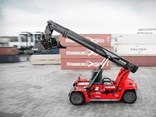 The Kalmar Gloria DRG450 Reachstacker.