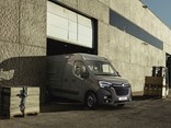 The new Renault master is looming