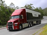 First Australian drive of new Mack Anthem