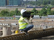 Construction workers safer when they ditch the manual: study