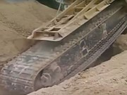 Video: Extreme chain trencher