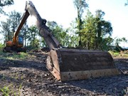Used equipment test: HyuTomoTachi excavator