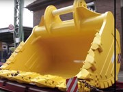Video: Transporting a Komatsu PC7000 excavator