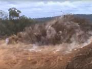 Video: Satisfying rock blasting