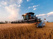 "Gleaner introduces ""lightest, most durable"" Class 8 combine"