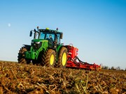 Agritechnica 2017 | New additions for John Deere's 6R Series