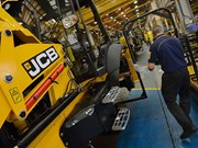 JCB halts UK production