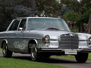 Mercedes-Benz 280SE 3.5 on the block