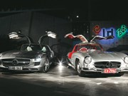 Mercedes-Benz 300SL vs SLS AMG review