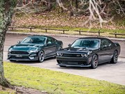 2019 Bullitt Mustang vs 2019 Dodge Hellcat review - Toybox