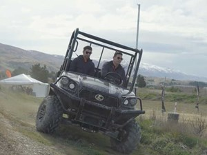 Video: Kubota RTV-XG850 Sidekick