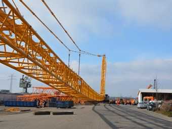 FIRST TEREX® SUPERLIFT 3800 CRAWLER CRANE DELIVERED