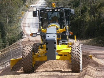 Media release: Komatsu graders aim at contractor market