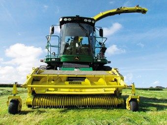 Test: John Deere 7550i Forage Harvester