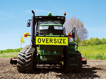 Test: John Deere 8335RT