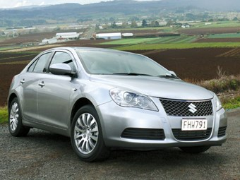 Tow vehicle: Suzuki Kizashi