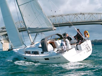 Hanse 350 -- pace, colour and comfort