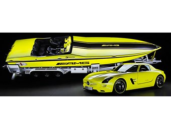 Electric Cigarette-Mercedes boat blasts 2220hp