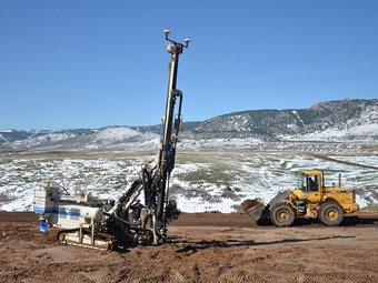 Trimble DPS900 3D control system improves piling efficiency