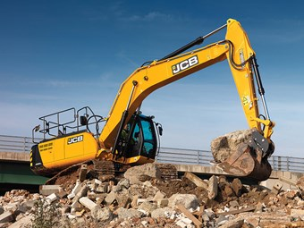 Grunty, green JCB excavators arrive in September