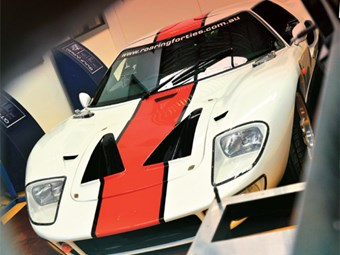 Roaring Forties: Ford GT40 Tribute - part 2