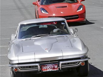 Corvette Stingray: 1966 & 2014