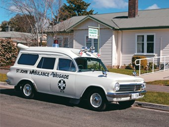 Holden EH panel van Ambulance (1964) Review