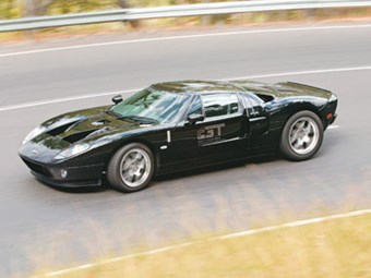 Ford GT RHD (2006) Feature Review