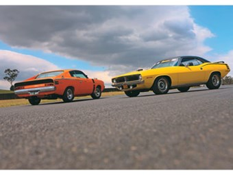 Chrysler VH Valiant Charger E49 vs Plymouth Hemi 'Cuda