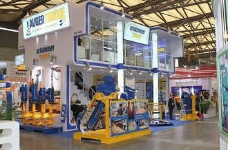 Auger Torque waved Australian flag at Bauma 2012
