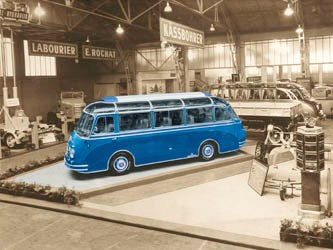 Setra shines spotlight on S6 at Retro Classics show