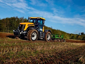 JCB rolls out new 3000 series Fastrac tractors