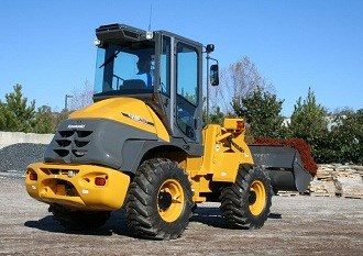 Kawasaki 45ZV-2 wheel loader rolls into Australia