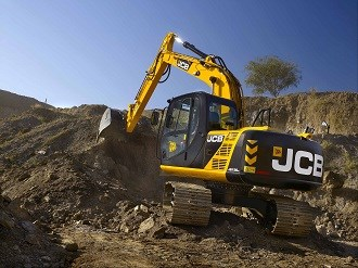 Young owner operator sticks to JCB for business success