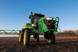John Deere introduces new 4 series sprayers for 2014
