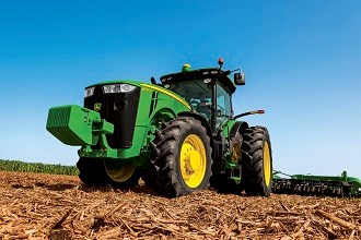 John Deere to expand 8R series tractors in 2014