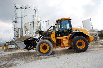 JCB upgrades 411 and 416 wheel loaders