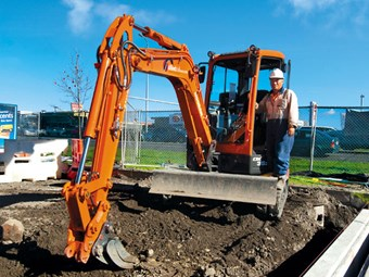 Review: Doosan DX255LC hydraulic excavator