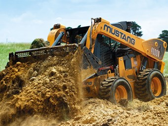 "Review: Mustang 4000V ""The Beast"" skid steer loader"