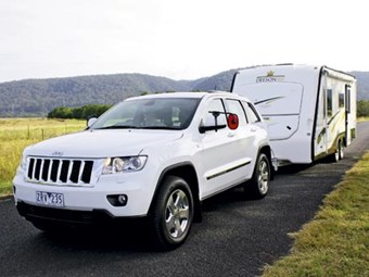 REVIEW: JEEP GRAND CHEROKEE LAREDO