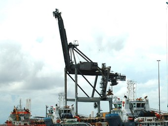 Darwin Port to map container crane needs