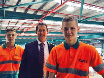Hartsuyker spruiks Training for Employment Scholarship