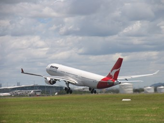 Passenger flights to NZ won't affect freight services