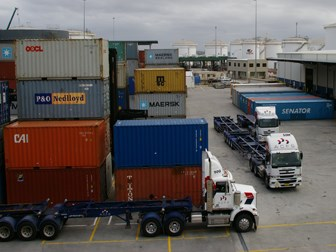 Carriers fed up by Port Botany delays 'crisis'