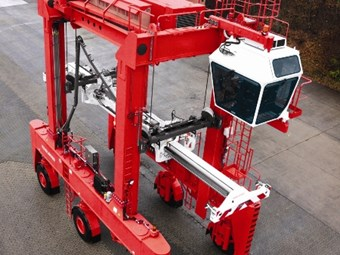 Straddle carrier from Konecranes
